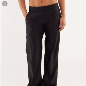 Lululemon dog runner pants size 8